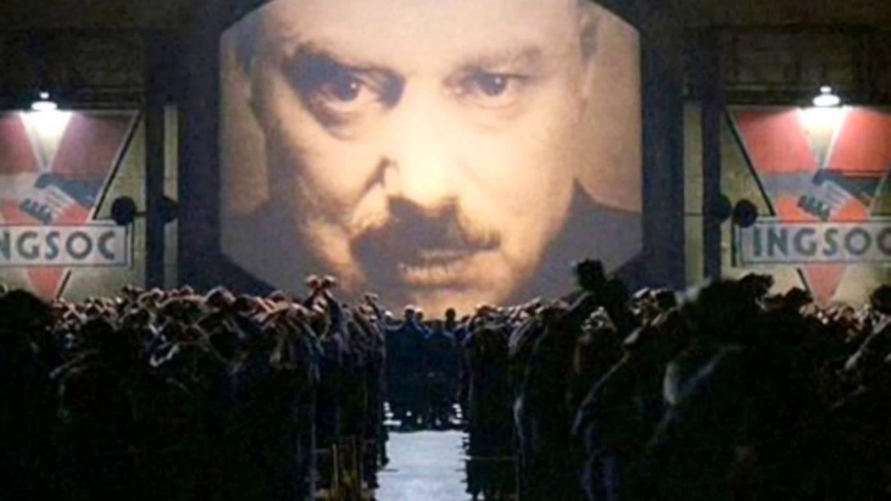 Una scena del film Orwell 1984