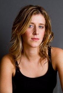 Una foto di Genevieve Adams