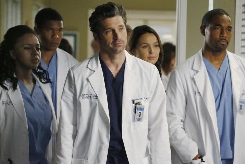 Grey's Anatomy: Patrick Dempsey in una scena dell'episodio Go It Alone