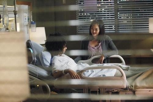 Grey's Anatomy: una scena dell'episodio Go It Alone, decima stagione