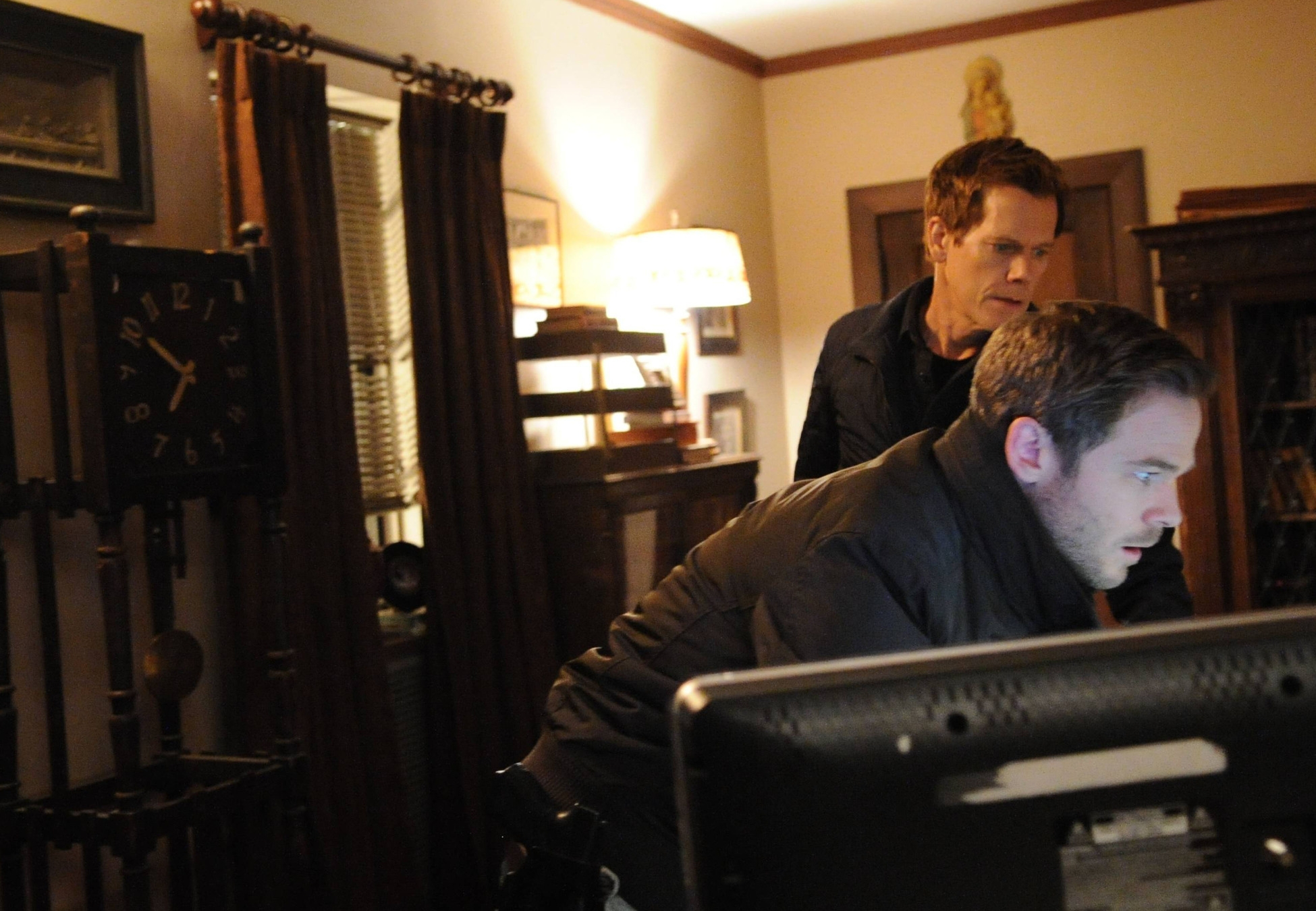 The Following: Kevin Bacon con Shawn Ashmore nell'episodio Silence