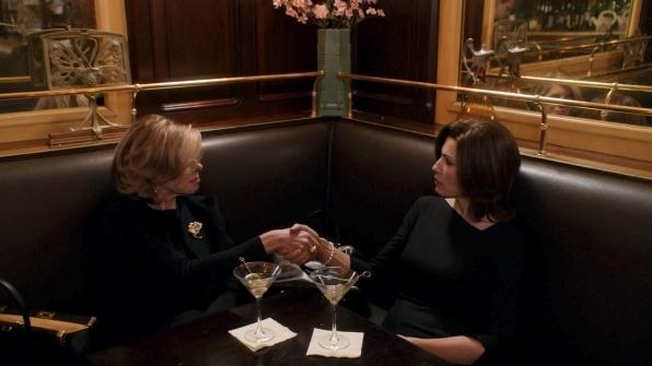 The Good Wife: Christine Baranski insieme a Julianna Margulies nell'episodio A Material World