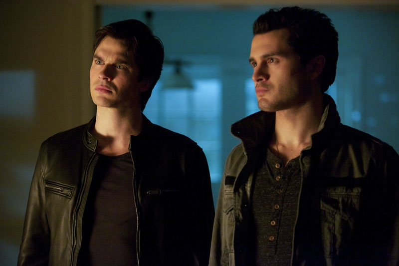 The Vampire Diaries: Ian Somerhalder, Michael Malarkey nell'episodio Resident Evil