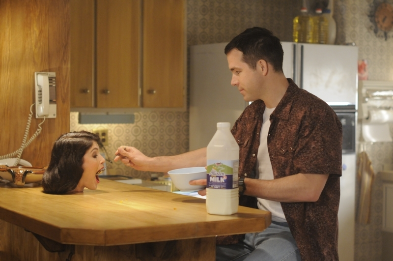 The Voices: Ryan Reynolds imbocca la testa di Gemma Arterton