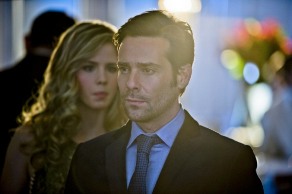 Arrow: James Callis ed Emily Bett Rickards nell'episodio Ladro di gioielli
