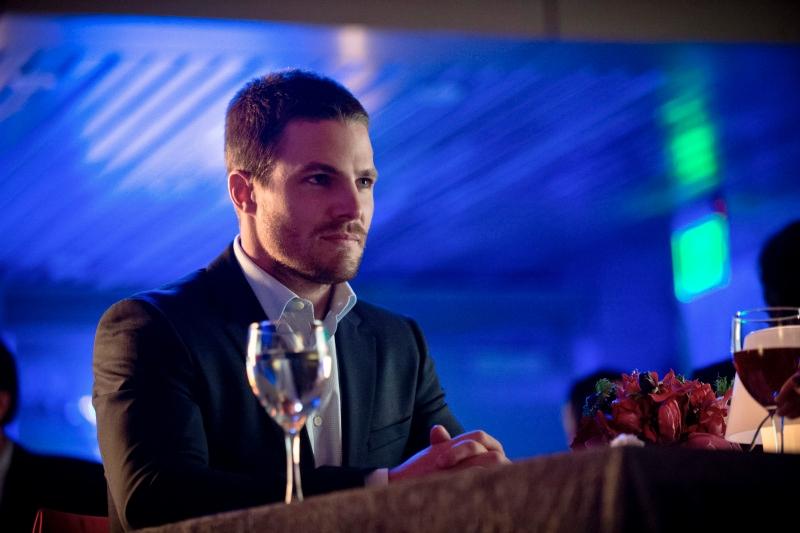Arrow: Stephen Amell nell'episodio Ladro di gioielli, prima stagione