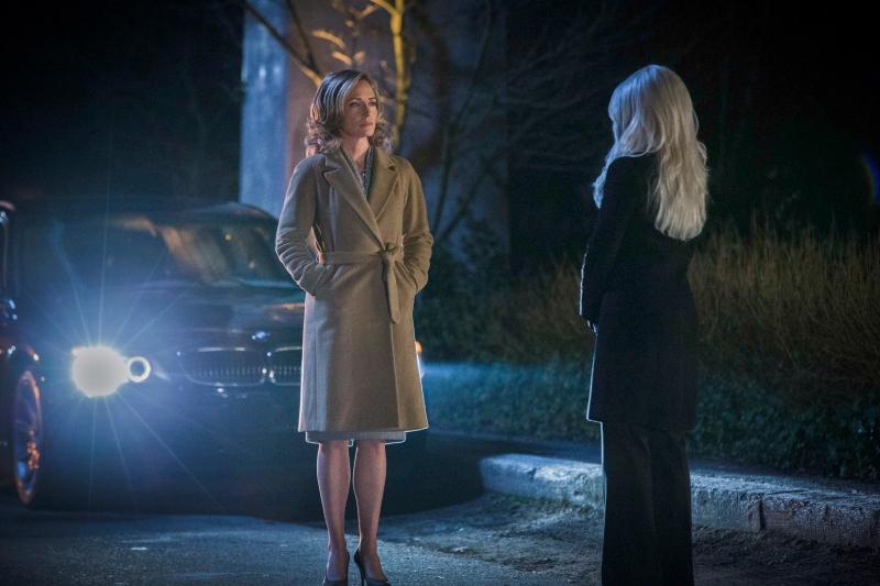 Arrow: Susanna Thompson nell'episodio Ladro di gioielli