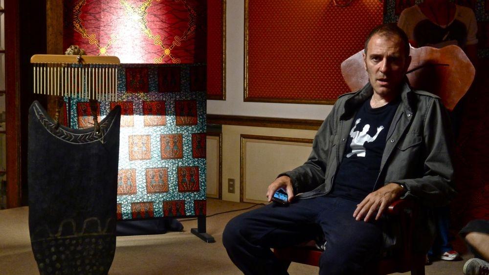 La sedia della felicità: Valerio Mastandrea in una scena del film