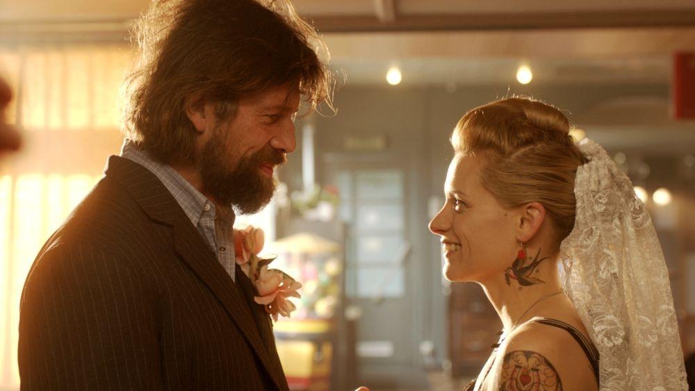 The Broken Circle Breakdown: Veerle Baetens in una scena del film con Johan Heldenbergh