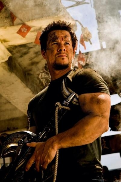 Transformers: Age of Extinction: Mark Wahlberg in una scena del film
