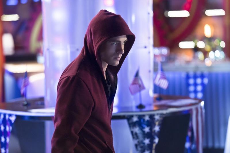 Arrow: Colton Haynes nell'episodio Seeing Red, della seconda stagione