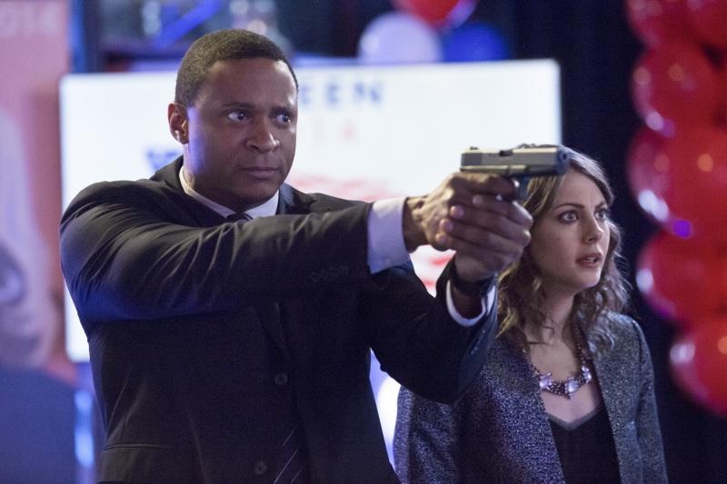 Arrow: Willa Holland e David Ramsey nell'episodio Seeing Red, seconda stagione
