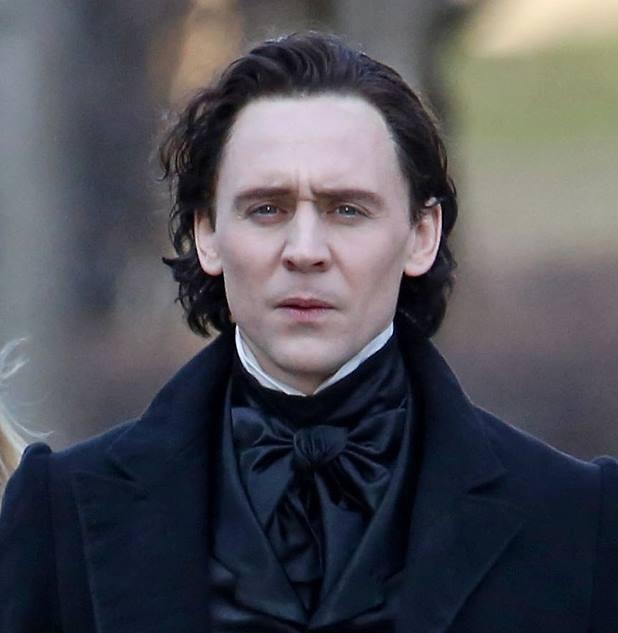 Crimson Peak: Tom Hiddleston concetrato sul set