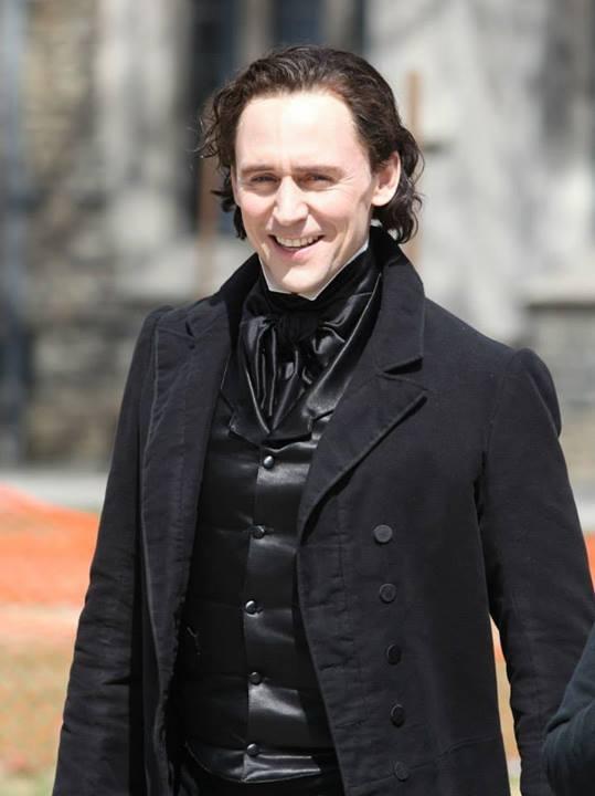 Crimson Peak: Tom Hiddleston in un'immagine tratta sul set