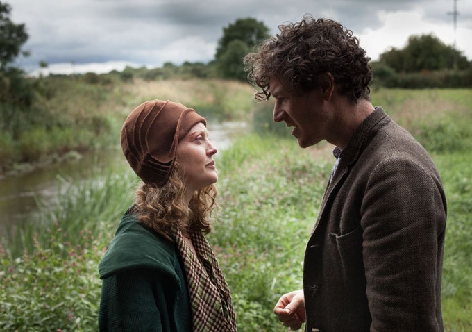 Jimmy's Hall: Barry Ward in una scena con Simone Kirby