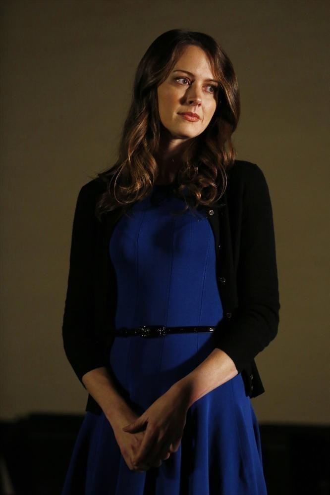 Agents of S.H.I.E.L.D.: Amy Acker in una scena di The Only Light in the Darkness, episodio della prima stagione