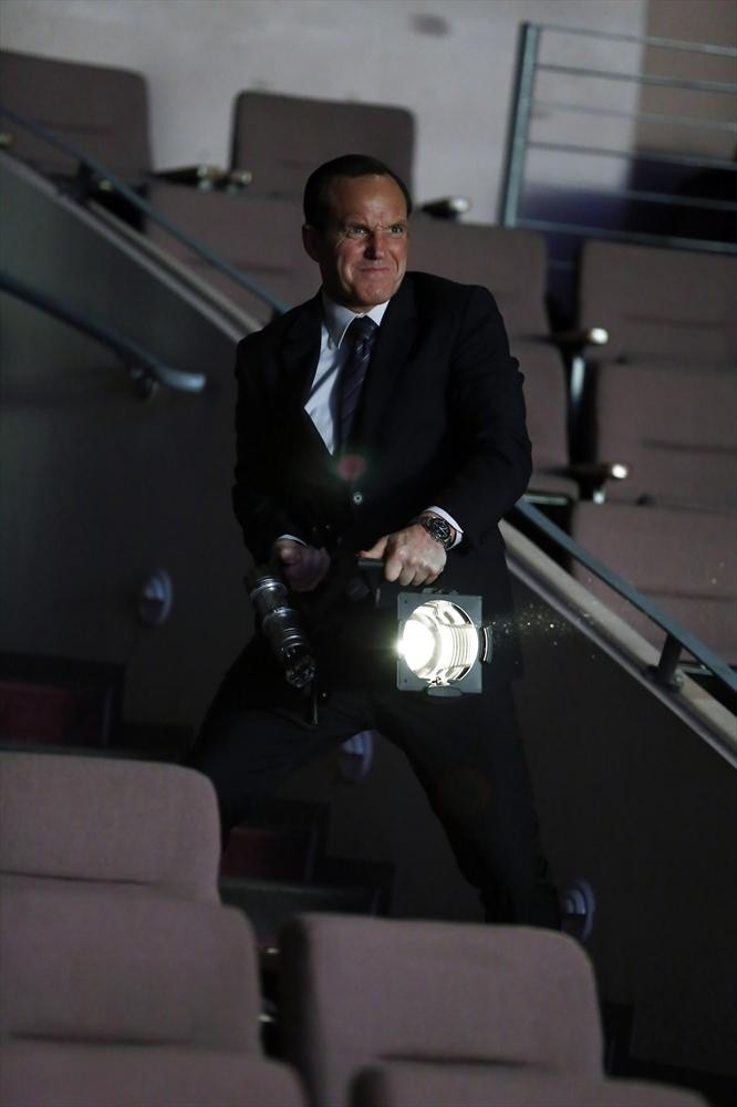 Agents of S.H.I.E.L.D.: Clark Gregg nell'episodio The Only Light in the Darkness, prima stagione