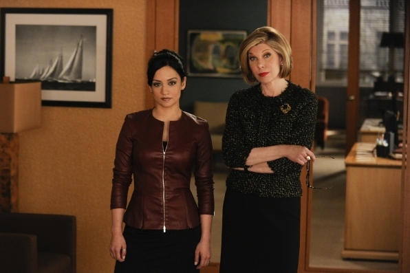 The Good Wife: Christine Baranski e Archie Panjabi nell'episodio All Tapped Out