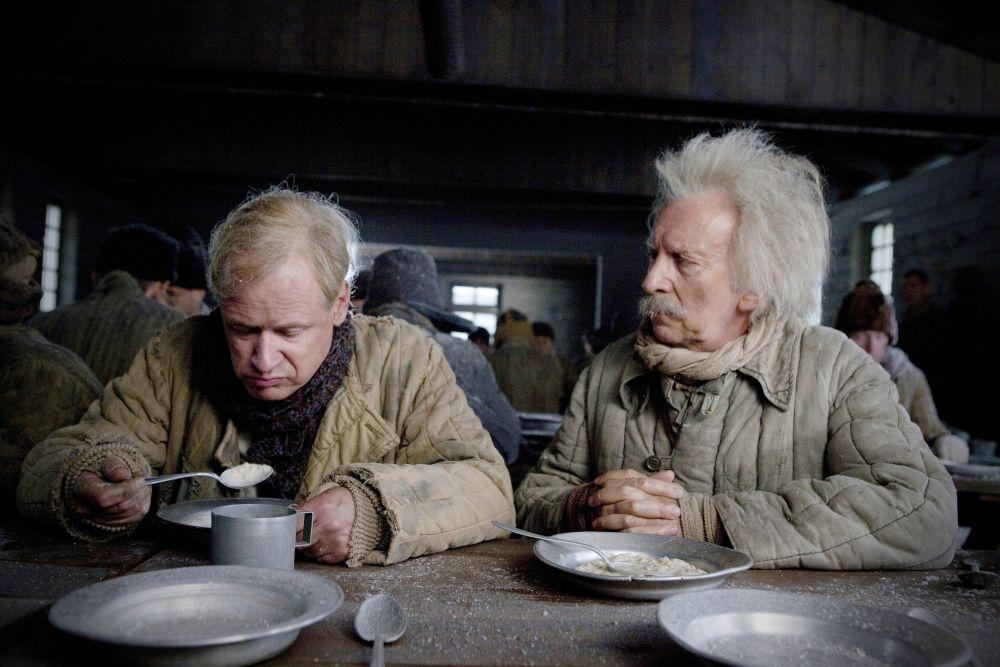 Il centenario che saltò dalla finestra e scomparve: Robert Gustafsson in una scena del film