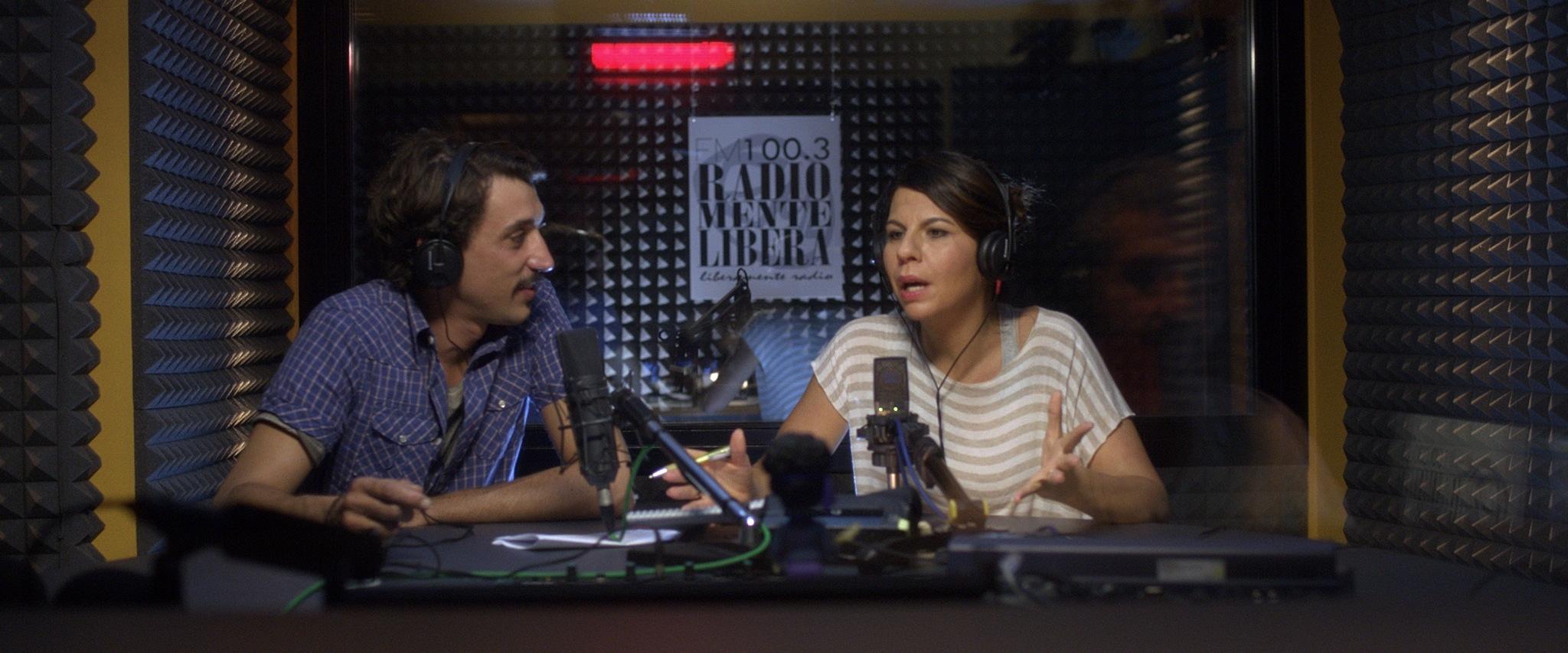 Luca Bizzarri con Geppi Cucciari in Un fidanzato per mia moglie, commedia del 2014