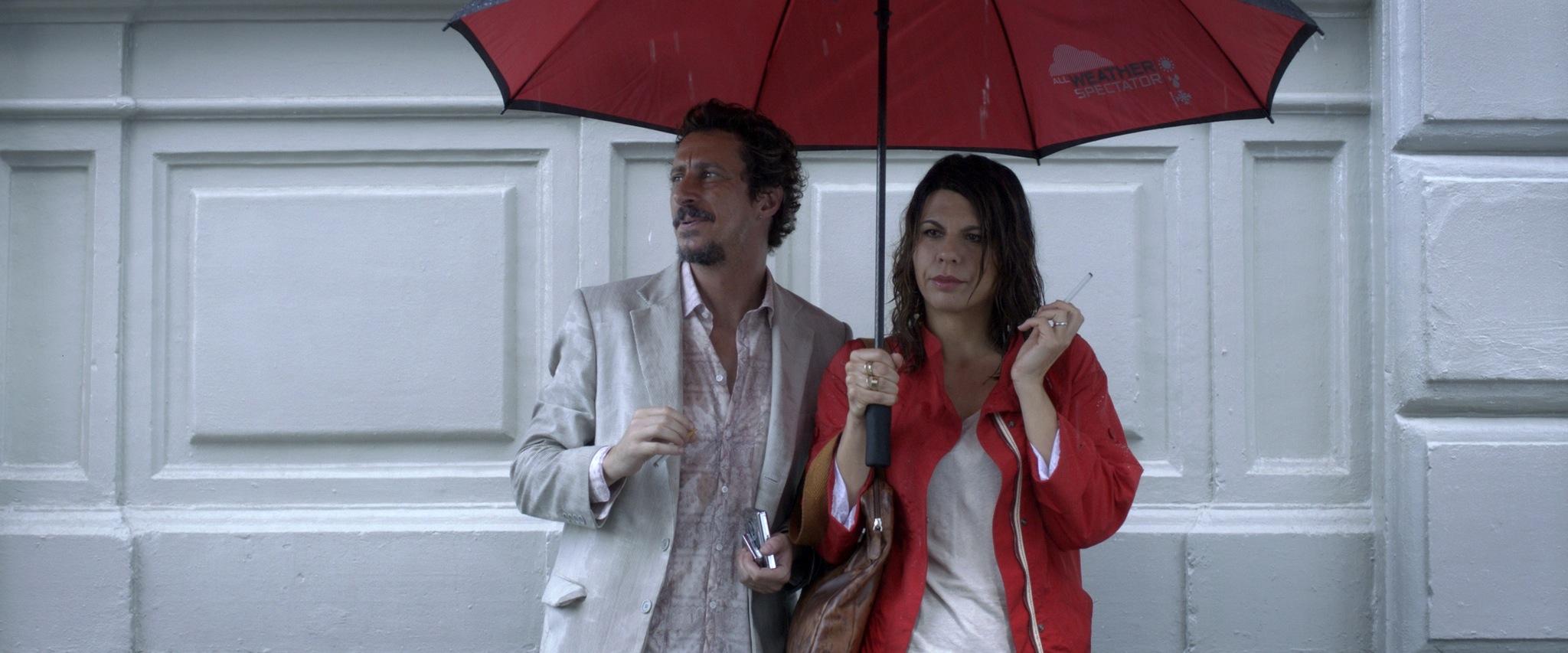 Luca Bizzarri con Geppi Cucciari in Un fidanzato per mia moglie, una curiosa scena del film