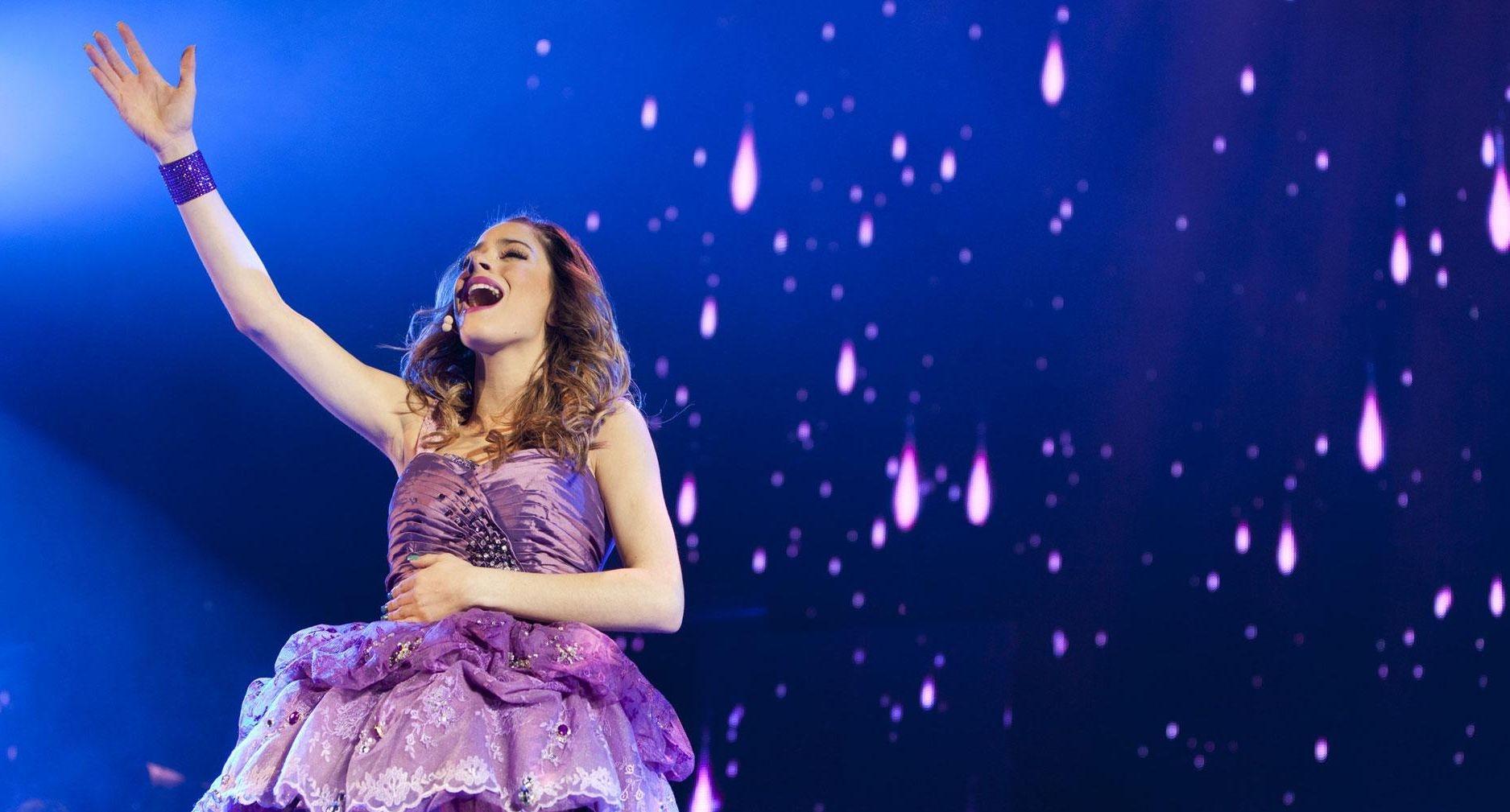 Violetta - Backstage Pass: Violetta in un'immagine tratta dal concerto milanese