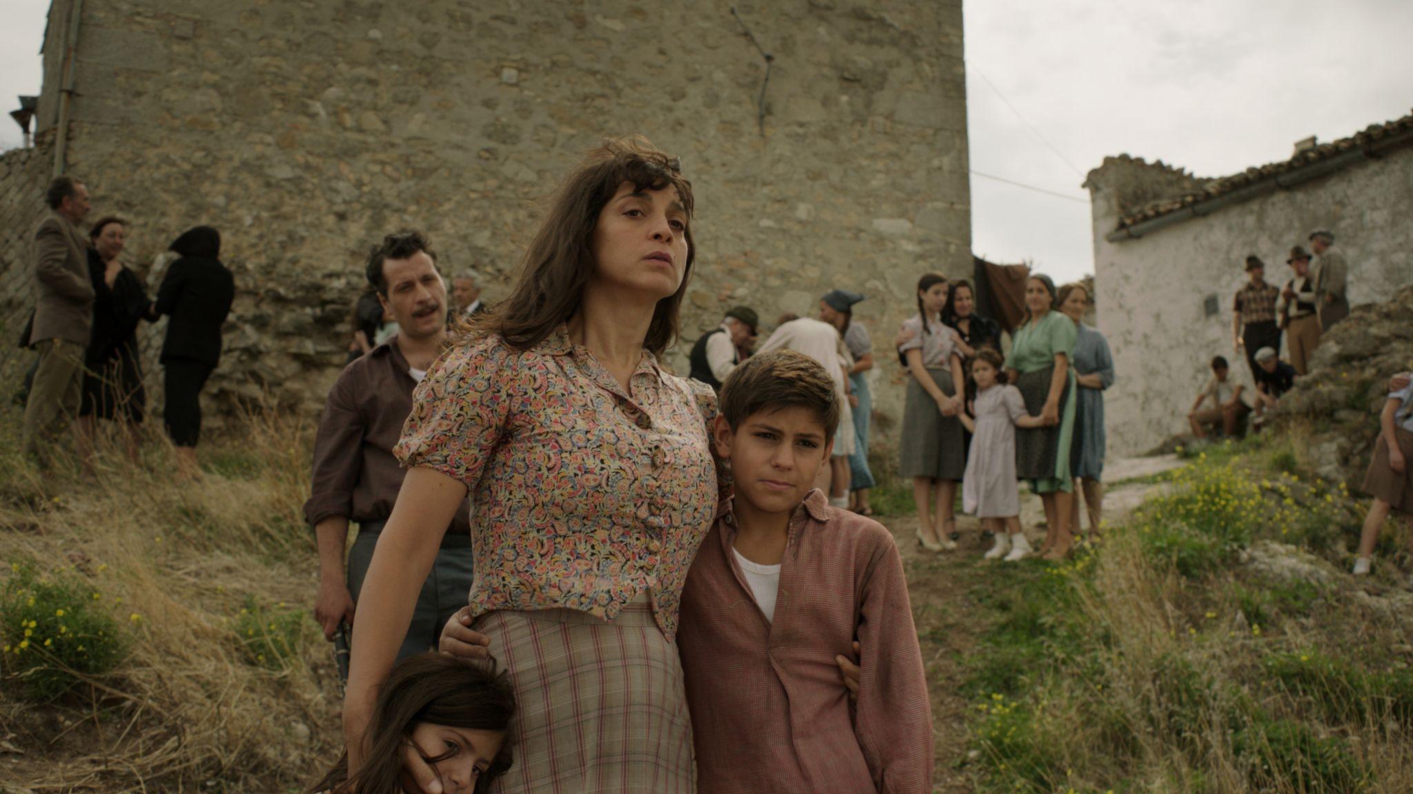 Marina: Donatella Finocchiaro in una scena del film con Christian Campagna