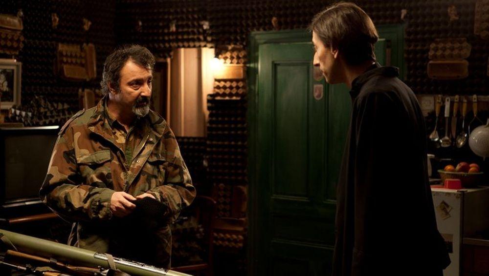 Padre vostro: Kresimir Mikic in una scena