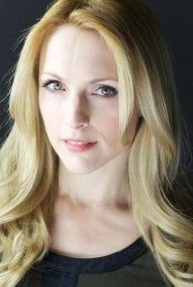 Una foto di Natalie Alison
