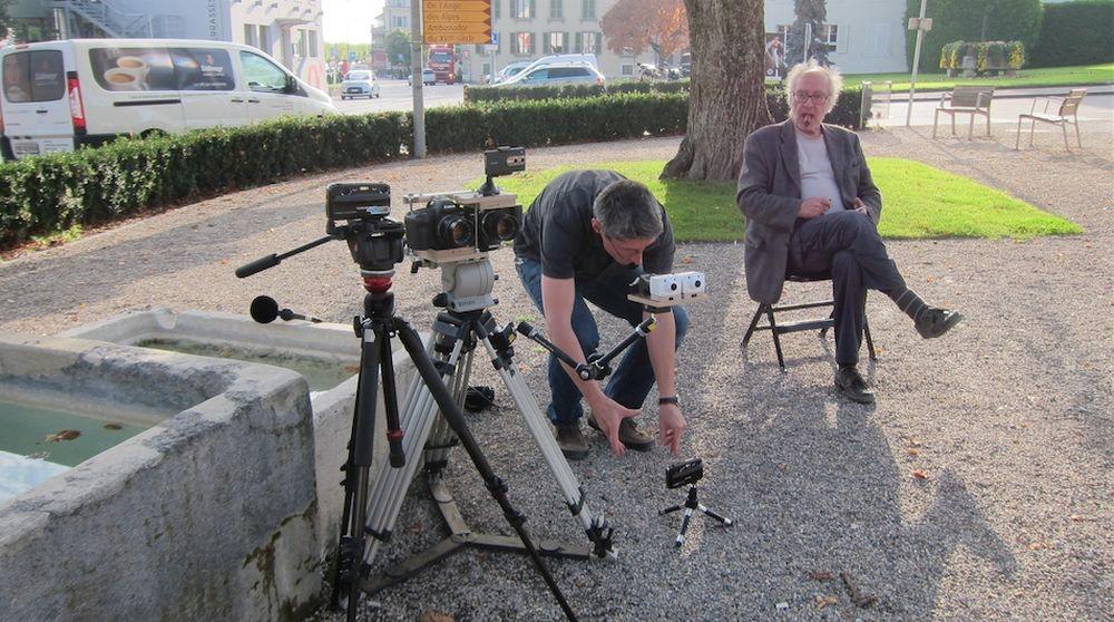 Goodbye to language: il regista Jean-Luc Godard in un'immagine dal set