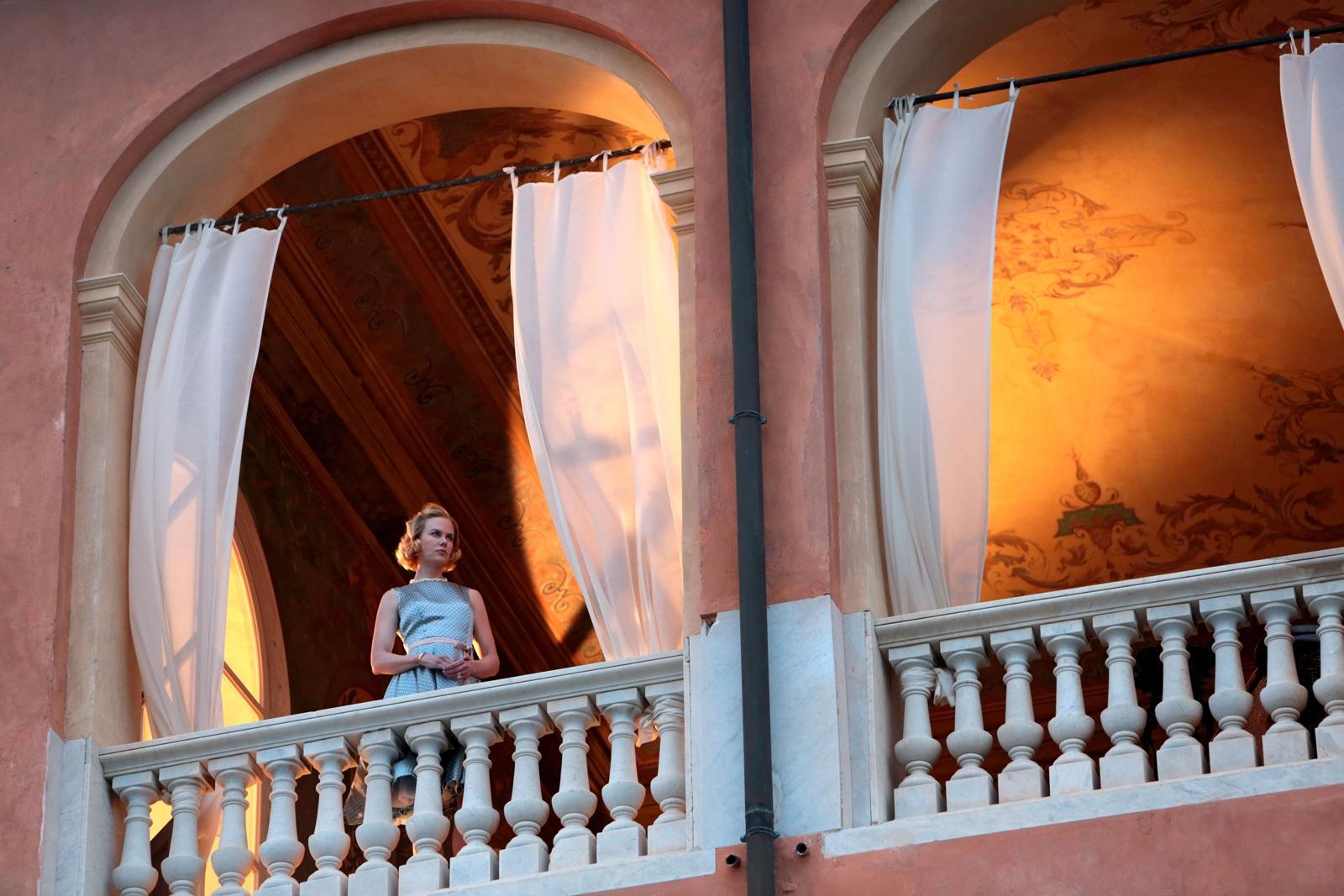 Grace di Monaco: Nicole Kidman in una scena del film nei panni della principessa di Monaco Grace Kelly