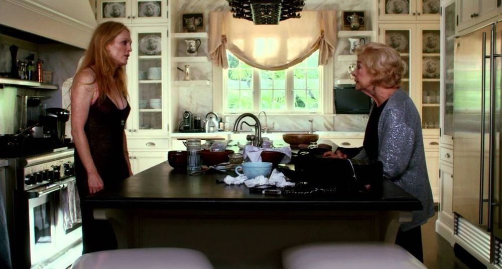 Maps to the stars: Julianne Moore in un'immagine del film