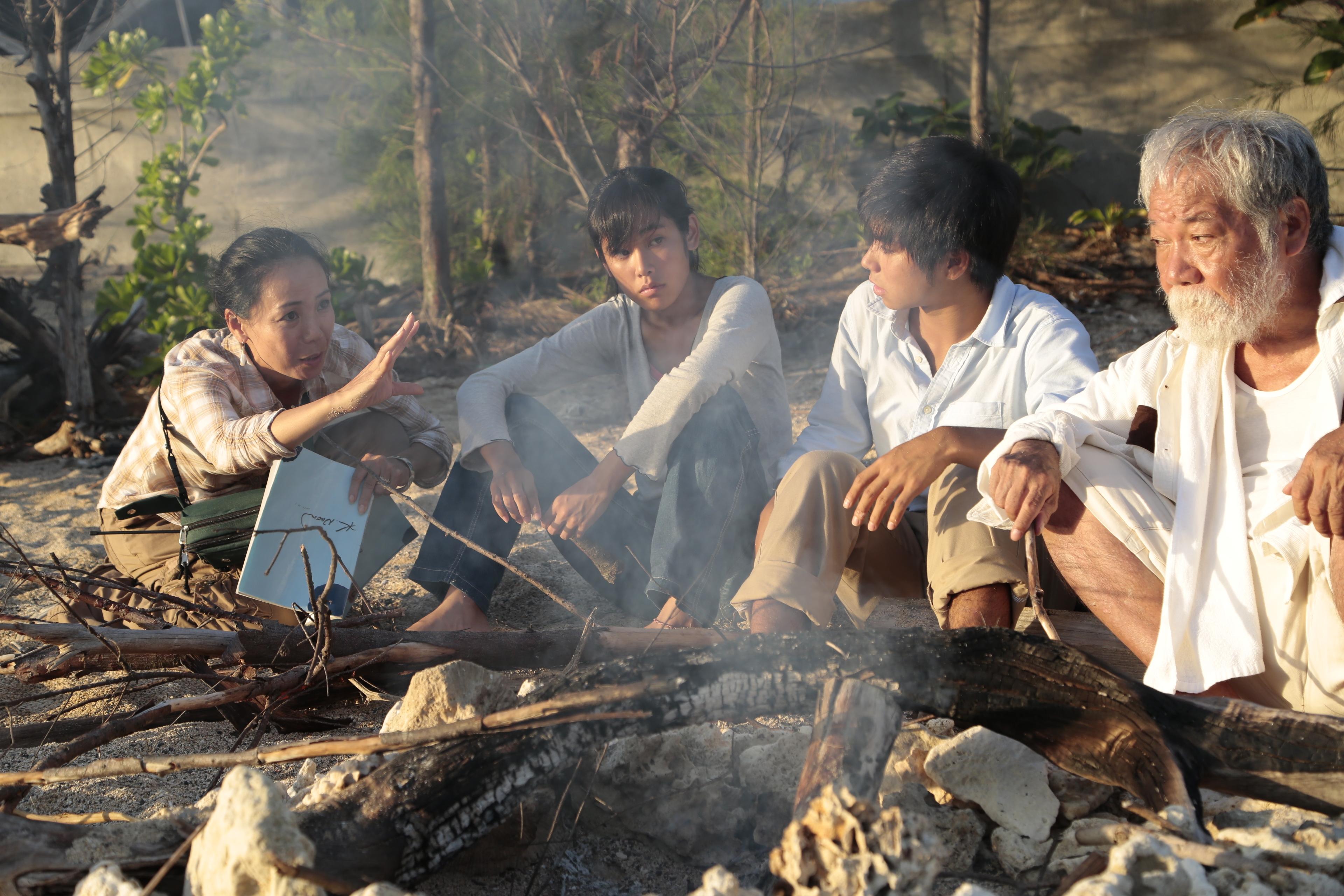Still the Water: Nijiro Murakami e Jun Yoshinaga sul set del film con la regista Naomi Kawase