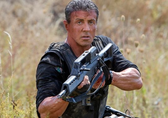I mercenari 3 - The Expendables: Sylvester Stallone imbraccia il fucile