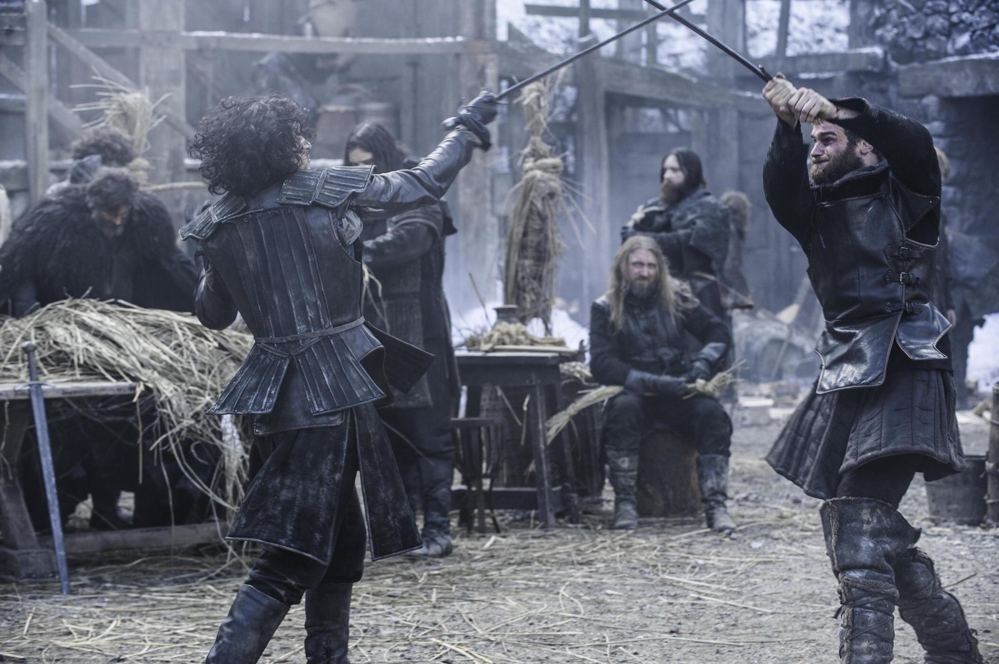 Il trono di spade: Kit Harington nell'episodio Oathkeeper, della quarta stagione