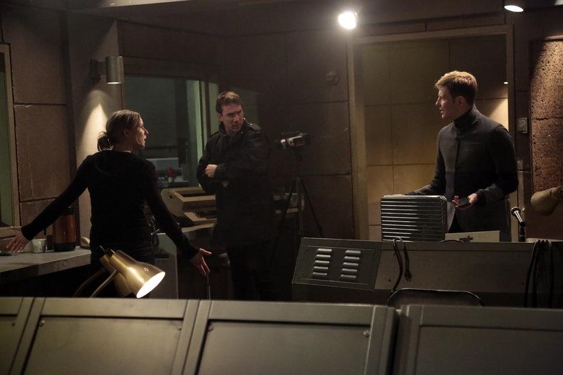 Revenge: Gabriel Mann insieme ad Emily VanCamp nell'episodio Impetus, terza stagione