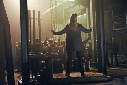 Arrow: una scena dell'episodio City of Blood della seconda stagione