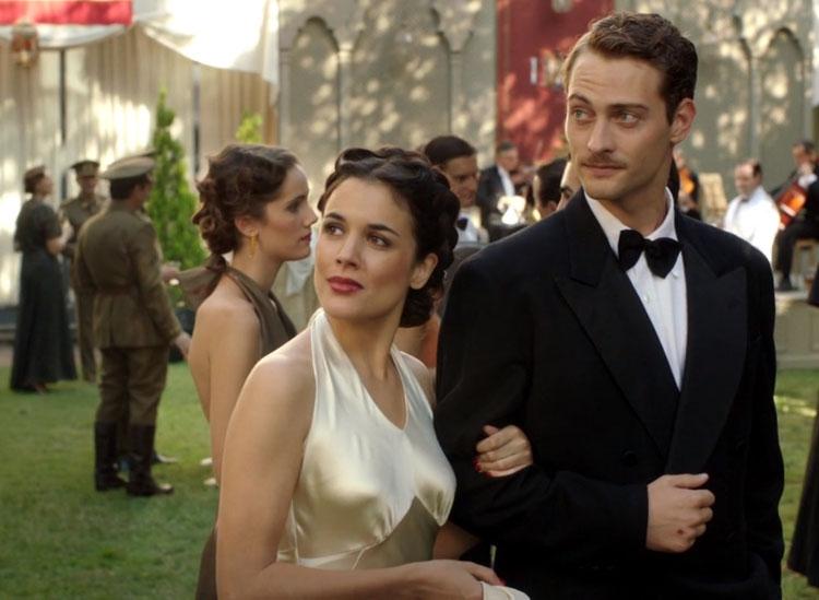 Il tempo del coraggio e dell'amore: Adriana Ugarte in una scena