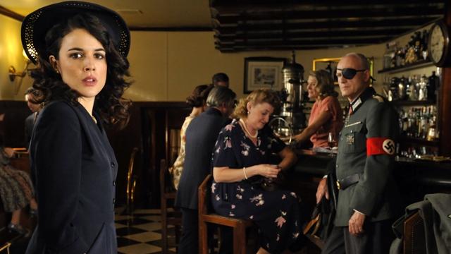 Il tempo del coraggio e dell'amore: Adriana Ugarte in una scena della prima stagione della serie