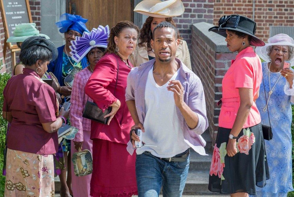 Ghost Movie 2 - Questa volta è guerra: Marlon Wayans in fuga in una scena del film