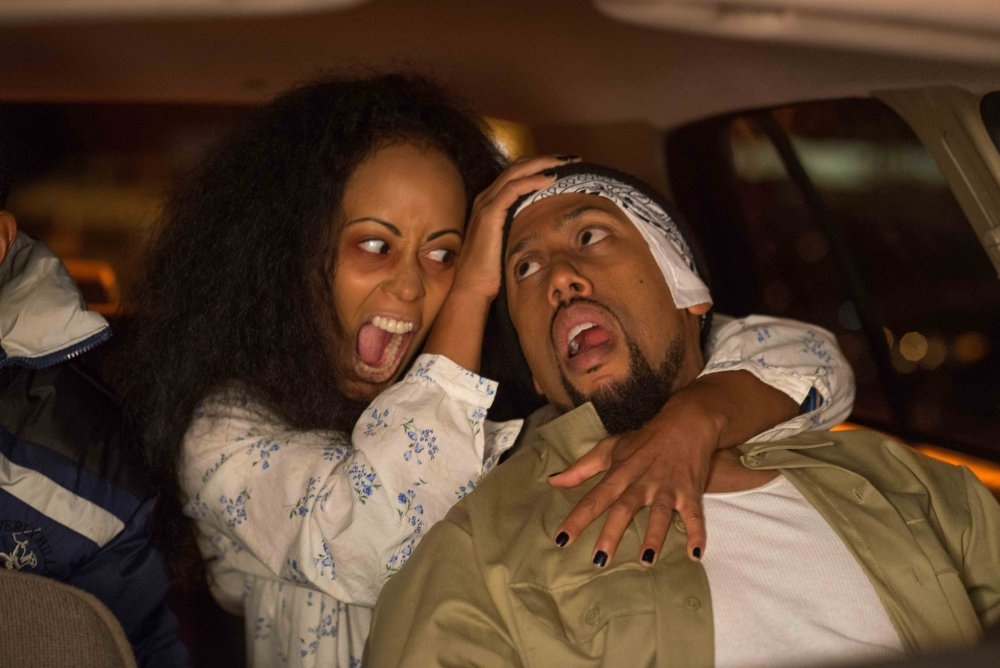 Ghost Movie 2 - Questa volta è guerra: una Essence Atkins indemoniata aggredisce Affion Crockett in una scena
