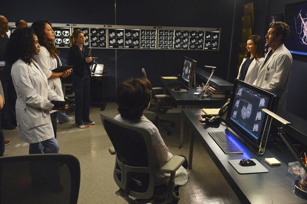 Grey's Anatomy: una scena di gruppo nell'episodio We Are Never Getting Back Together