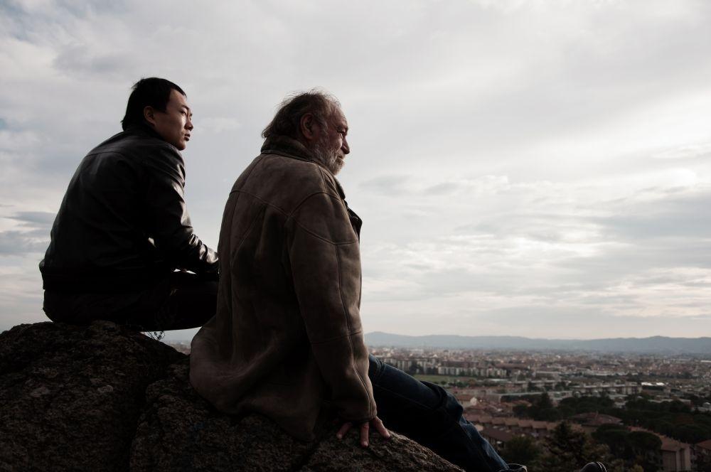 Sogni di gloria: Carlo Monni e Xiuzhong Zhang in una scena del film