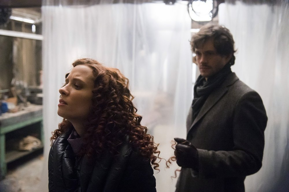 Hannibal: Hugh Dancy e Lara Jean Chorostecki nell'episodio Naka-Choko
