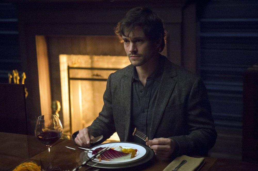 Hannibal: il protagonista Hugh Dancy nell'episodio Naka-Choko della seconda stagione