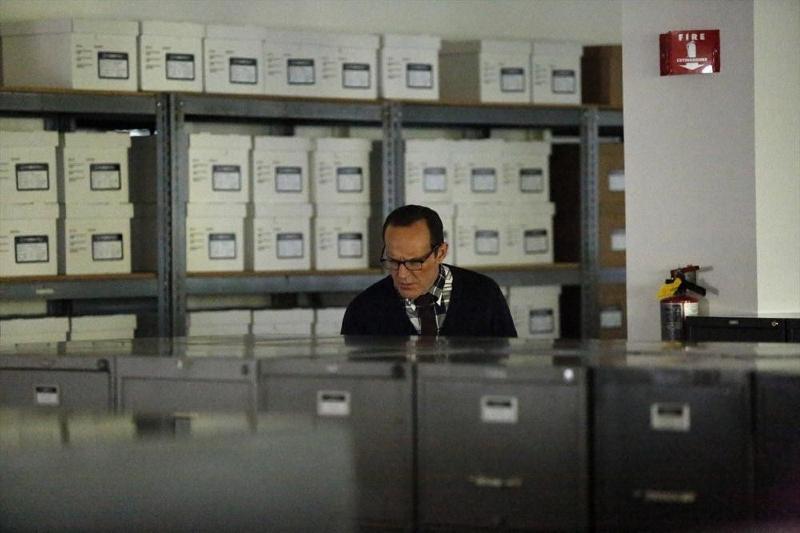 Agents of S.H.I.E.L.D.: Clark Gregg all'opera in Ragtag, penultimo episodio della prima stagione