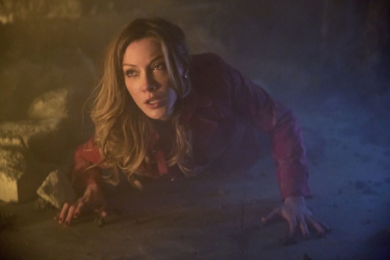 Arrow: Katie Cassidy nell'episodio Streets of Fire