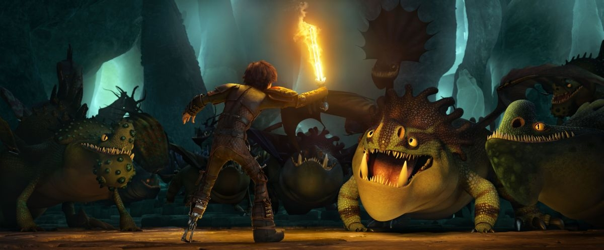 Dragon Trainer 2: Hiccup allena i suoi draghi in una scena del film