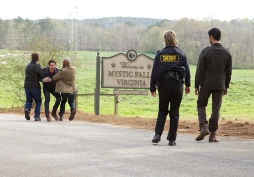 The Vampire Diaries: Michael Trevino nell'episodio Home, quinta stagione
