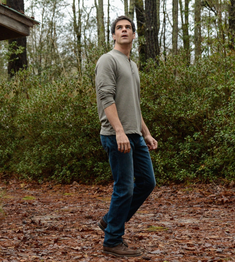 Under the Dome: Eddie Cahill in una scena di Heads Will Roll
